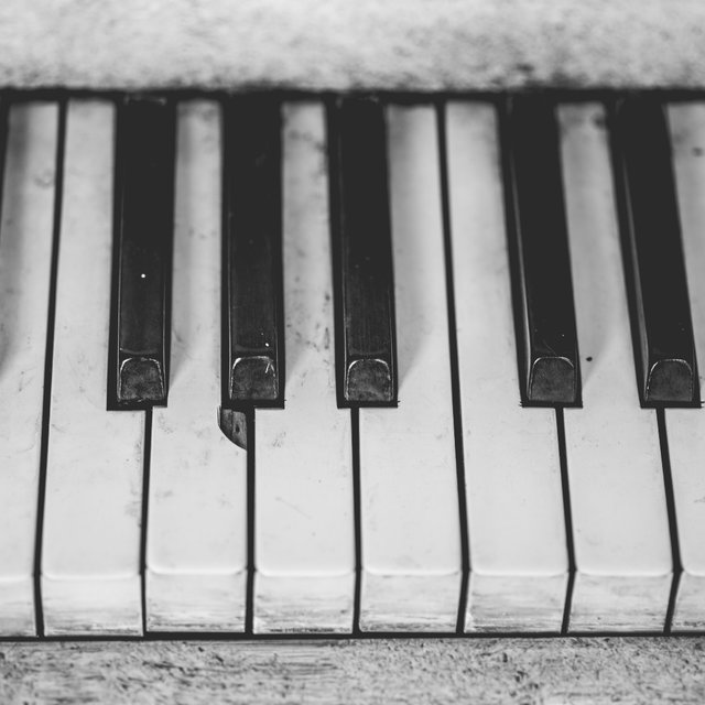 40 Intimate Melodies - Piano Edition