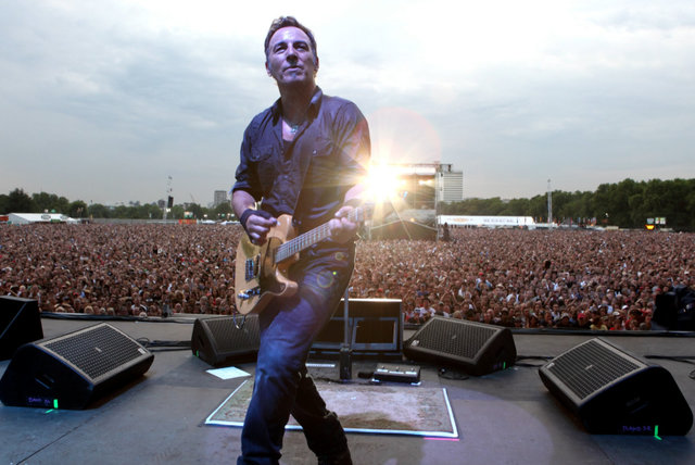 Credits (Raise Your Hand) (London Calling: Live In Hyde Park, 2009)