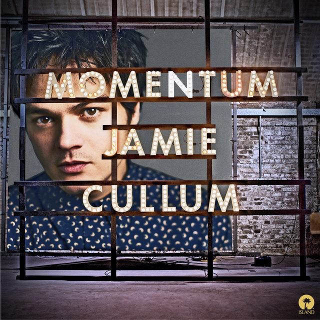 Momentum (Deluxe Version + Videos)
