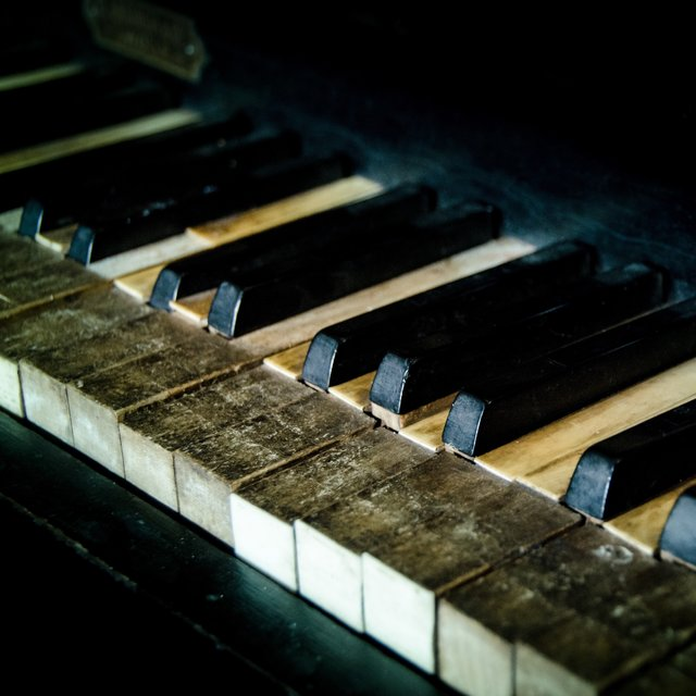 30 Unforgettable Piano Melodies for Instant Relaxation