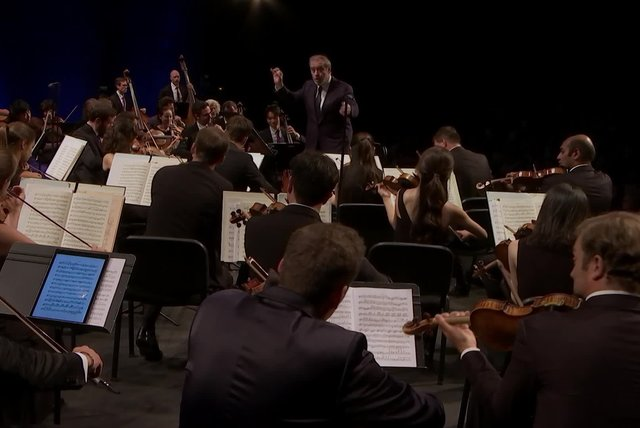 Verbier 25th Anniversary Gala, Strings and Orchestra - Die Fledermaus: Overture