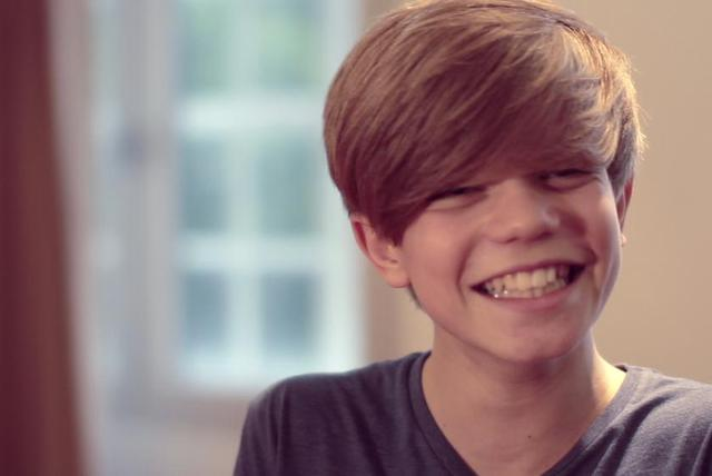 Ronan Parke Sings: What Makes You Beautiful ((Acoustic Version) [Live])