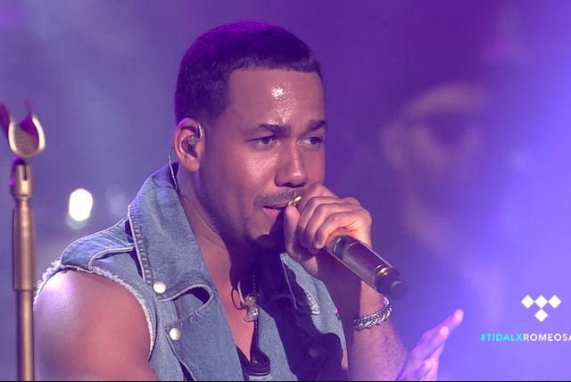 Medley (fan requests) (Live at TIDAL X Romeo Santos)