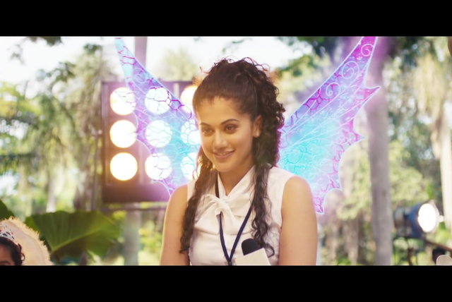 En Fuse Pochu (Tamil Lyric Video)
