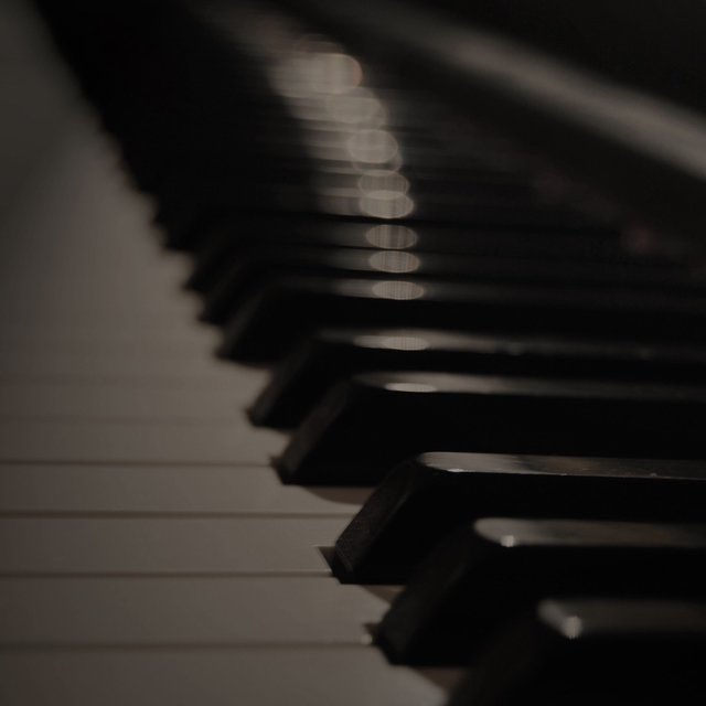 25 Piano Pieces for an Intimate Valentine's Ambience