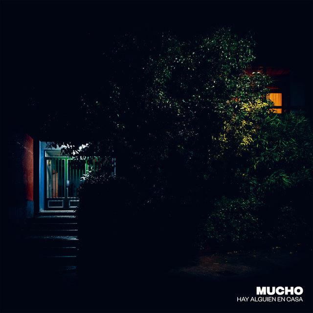 Cover art for album Hay Alguien en Casa by Mucho