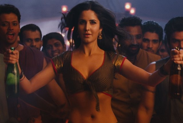 Chikni Chameli (Lyric Video)