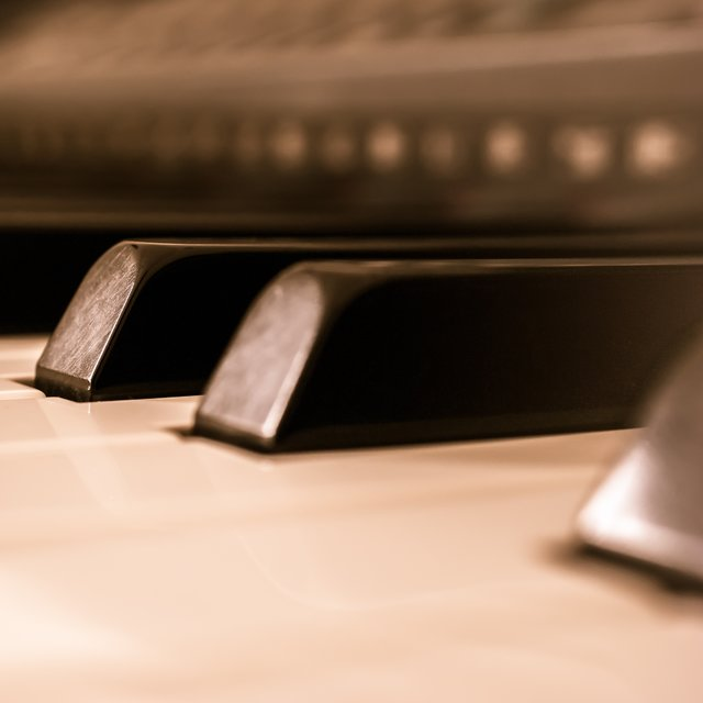 30 Unforgettable Piano Melodies for Productive Study and Ultimate Deep Focus