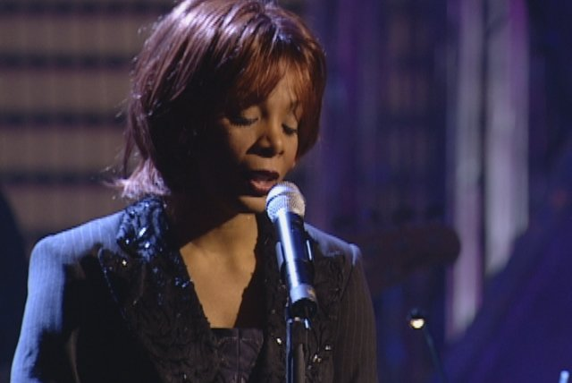 Someone to Watch Over Me (from VH1 Presents Live & More Encore!)